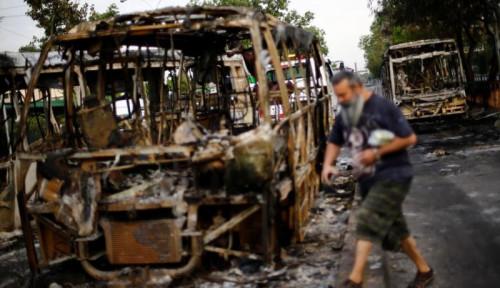 Foto Kerusuhan di Pusat Kota, Chile Umumkan Situasi Darurat