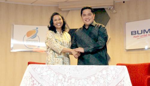 Foto Di Acara Serah Terima Jabatan, Erick Thohir Akui Tak Mudah Jadi Menteri BUMN