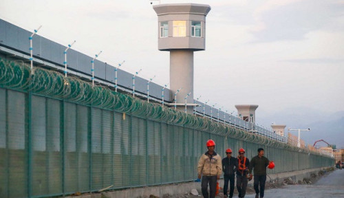 Foto Ngeri! Tahanan Kamp Xinjiang Diperkosa, Jadi Eksperimen Medis