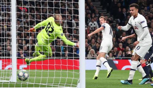 Foto Tottenham Hotspur Cukur Habis Wakil Serbia dengan Skor 5-0