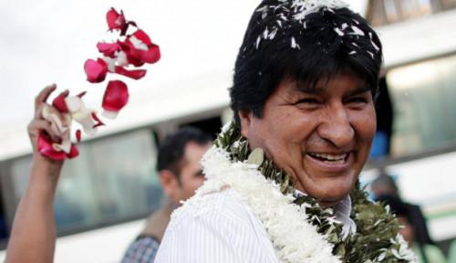 Foto Rusia: Evo Morales Tidak Minta Suaka