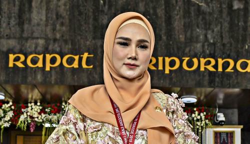 Foto Duduk di Komisi VII, Mulan Jameela Punya Tanggungan Utang Sebesar. . .
