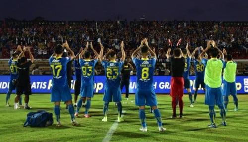Foto Jelang Arema vs Persib, Alberts: 5 Pemain Kami Absen