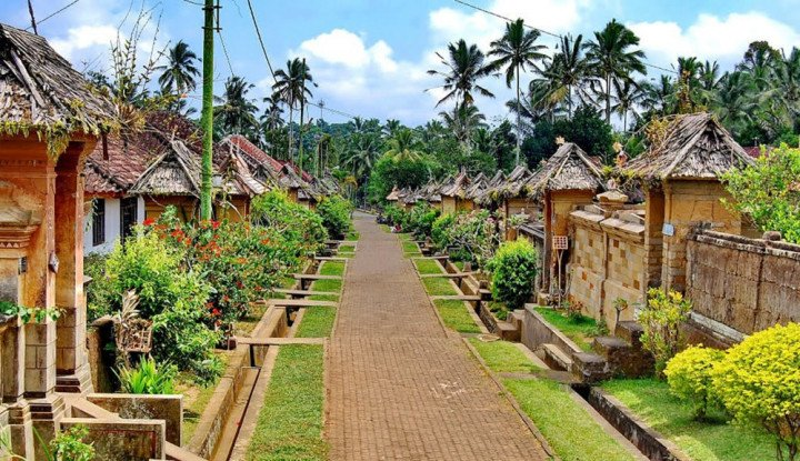 Kemendesa Gandeng Telkom Digitalisasi Desa Wisata Sumba - Warta Ekonomi