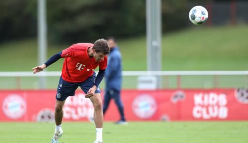 Foto Man United Incar Thomas Muller, Manajemen Bayern Bilang. . .