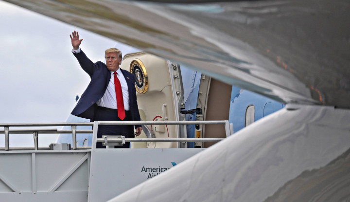 Tajir Abis! Donald Trump Jual Helikopternya yang Dilapisi Emas, Harganya Bikin Tercengang!