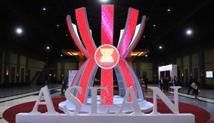 KTT ASEAN ke-37 Angkat Isu Sengketa Laut China Selatan