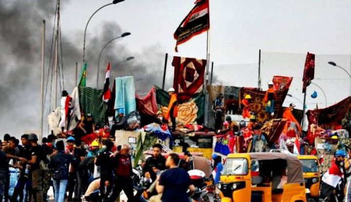 Imbauan PM Irak Diabaikan, Ribuan Warga Terus Penuhi Lapangan Baghdad - Warta Ekonomi