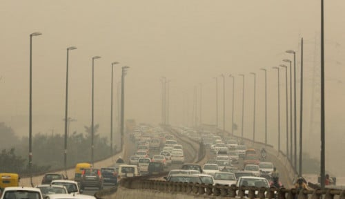 Foto Indeks Kualitas Udara Memburuk, New Delhi Berlakukan Ganjil-Genap