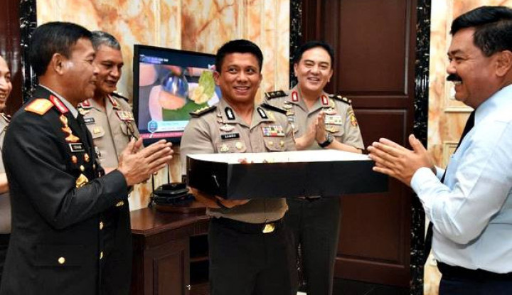Idham Azis Beri Kejutan Ultah Panglima TNI ke-56 - Warta Ekonomi