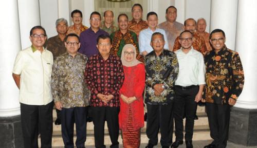 Foto JK Undang Mantan Menteri Makan Malam Sambil Guyonan