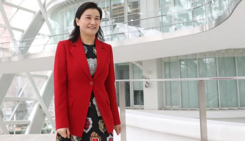 Foto Hampir Bunuh Diri, Kini Zhou Qunfei Jadi Wanita Terkaya di China
