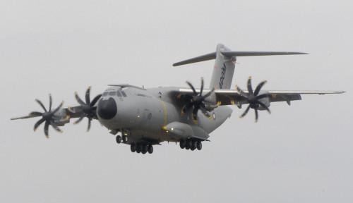 Foto RAF Inggris Pamerkan Airbus A400 M dan Bandingkan dengan Hercules Milik Indonesia