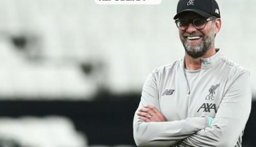 Foto Ketika Pelatih Liverpool Bercanda Soal Pep Guardiola