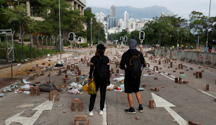 Gak Ada Habisnya, Kerusuhan Hong Kong Bikin Beberapa Maskapai Penerbangan... - Warta Ekonomi