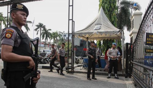 Foto Bom Meledak di Polrestabes Medan, Polisi Buru Imam Pengajian