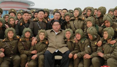 Foto Awas, Kim Jong-un Pantau Langsung Latihan AU Korut, Prediksinya buat Tandingi...