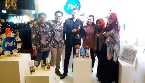 Berkat Sustainabilitas, P&G Raih Penghargaan CSR Jabar