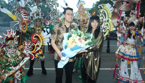 Foto Promosikan Festival Budaya, John Riady Lakukan Ini