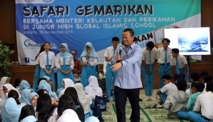 Peringati Hari Guru, Menteri Edhy Kampanye Gemarikan - Warta Ekonomi