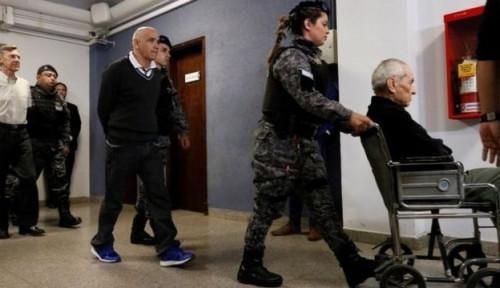 Foto 2 Pastor Katolik Lecehkan Anak-anak Tunarungu, Warga Dukung Keputusan Hakim yang Beri Hukuman...