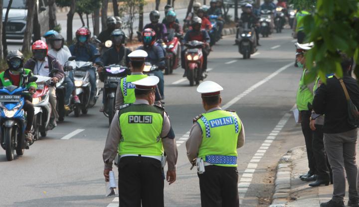 Kronologi Perwira Polisi Ditabrak Anggota Komunitas Motor
