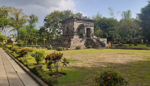 Foto Berkunjung ke Candi Badut, Gratis Loh!