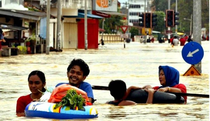Banjir Landa Malaysia 16 Ribu Warga Tinggalkan Rumah