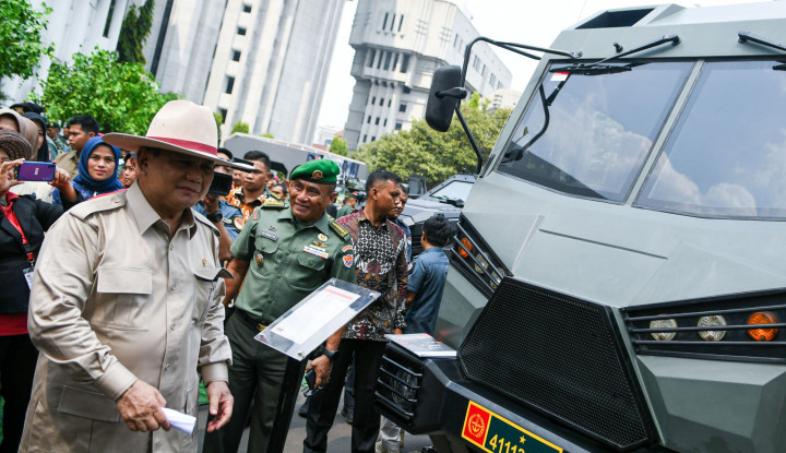 Seruan Prabowo: Yang Kerja di Rumah Jangan ke Pantai - Warta Ekonomi