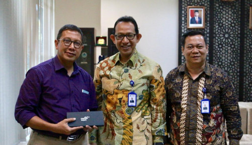 Foto Taspen Serahkan Manfaat THT dan Pensiun ke Mantan Menteri Agama