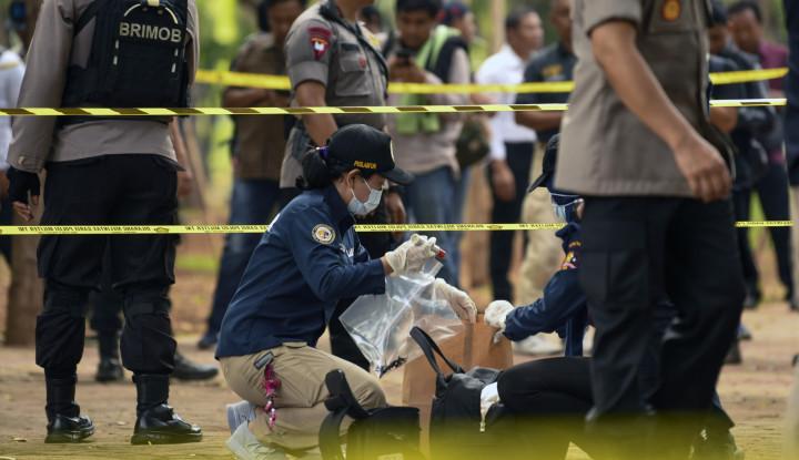 Tas yang Dicurigai Bom Ternyata saat Dibuka...Krupuk Kulit Pedas - Warta Ekonomi