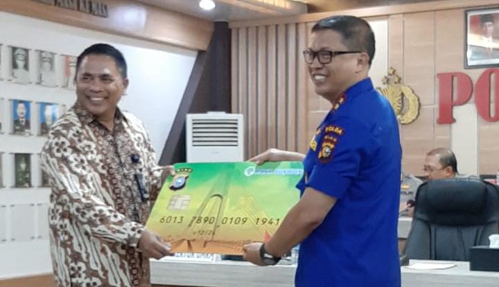 Aplikasi Lancang Kuning, Cara Bukopin Dukung Polda Riau Distribusi Dana Penanggulangan Karhutla - Warta Ekonomi