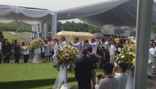 Foto Begini Prosesi Pemakaman Taipan Properti Ciputra
