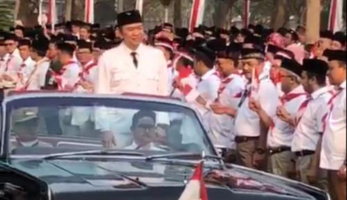 Foto Sambil Hormat-Hormat, Ari Askhara Berpose bak Presiden Soekarno