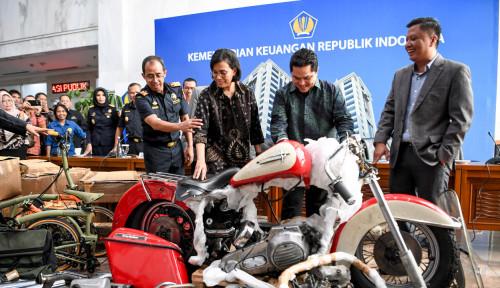 Foto Ari Ashkara Dicopot, Jokowi Puji-Puji Erick Thohir