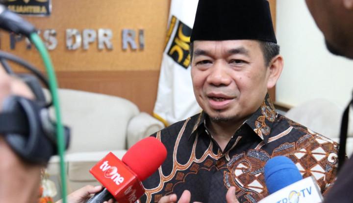 Fraksi PKS DPR Canangkan Gerakan Bagi Masker dan Disinfektan Gratis di Rumah Ibadah - Warta Ekonomi
