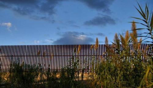 Foto Hakim Federal AS Halangi Transfer Rp50 Triliun untuk Dinding Perbatasan