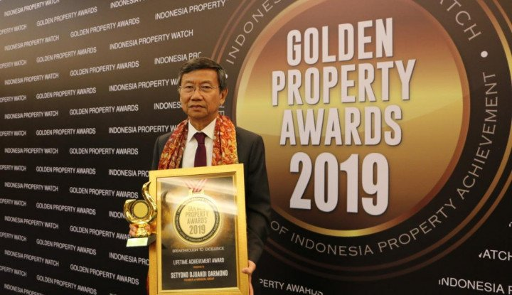 Foto Berita Pendiri Jababeka Dianugarehi Lifetime Achievement Award