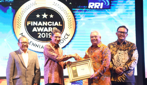 Foto Tugu Insurance Cetak 2 Penghargaan dari Financial Award 2019 Millenial's Choice