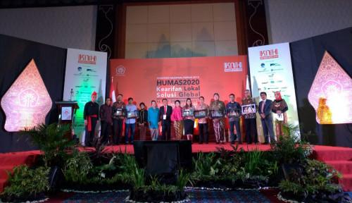 Foto Warta Ekonomi Sabet Penghargaan dari Perhumas, Ini Rinciannya!