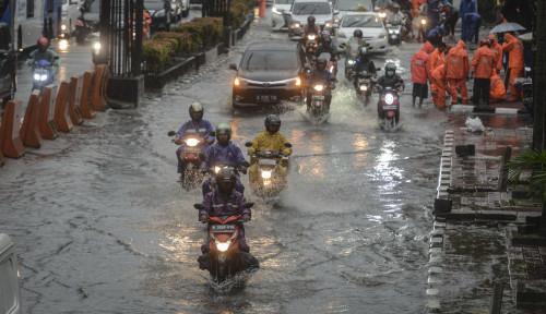 Hujan Deras, 8 Jalan Utama Jakarta Banjir