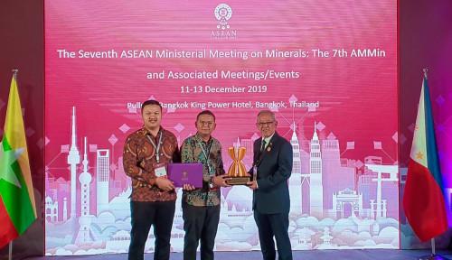 Foto Mantap! Semen Indonesia Raih Penghargaan dalam Ajang ASEAN Mineral Awards 2019