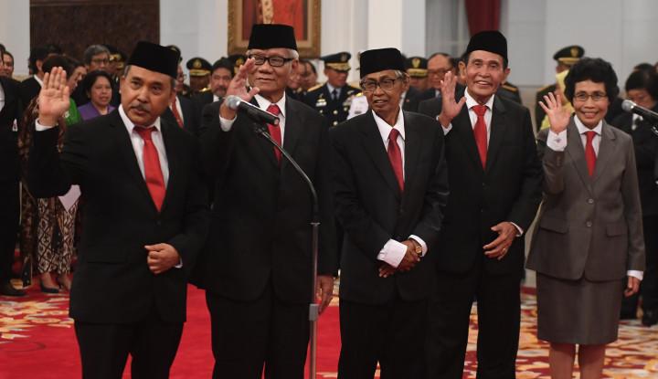 Dewas Akui Revisi UU KPK Lemahkan KPK - Warta Ekonomi