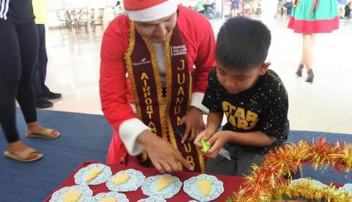 Foto Kegiatan Natal di Bandara oleh AP I Diapresiasi WNA