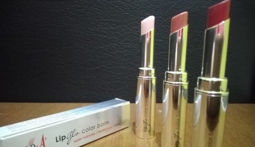 Wajib Coba! Red-A Lip Glo Color Balm: 3 Fungsi dalam 1 Kemasan