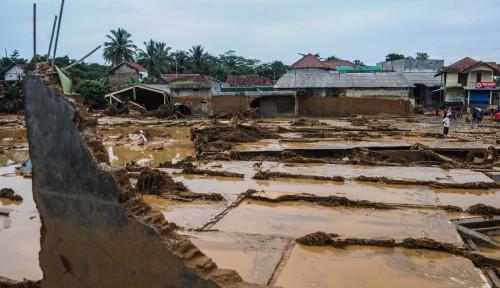 Foto Banjir Bandang di Lebak Didahului Suara Gemuruh, Warga: Kenceng!