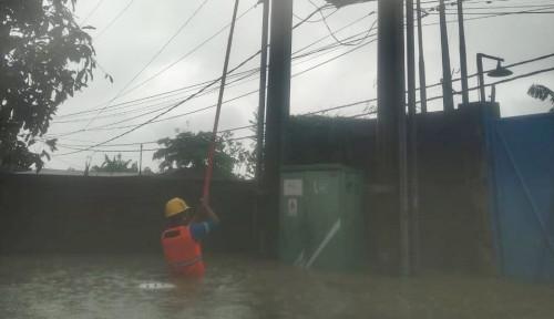 Foto Lakukan Antisipasi, PLN Padamkan Listrik Area Terdampak Banjir di Jakarta