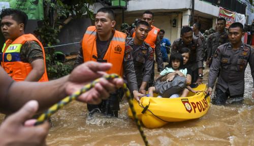 Foto Biar Banjir Jakarta Cepat Selesai, Bang Fahri Kasih Jurusnya...