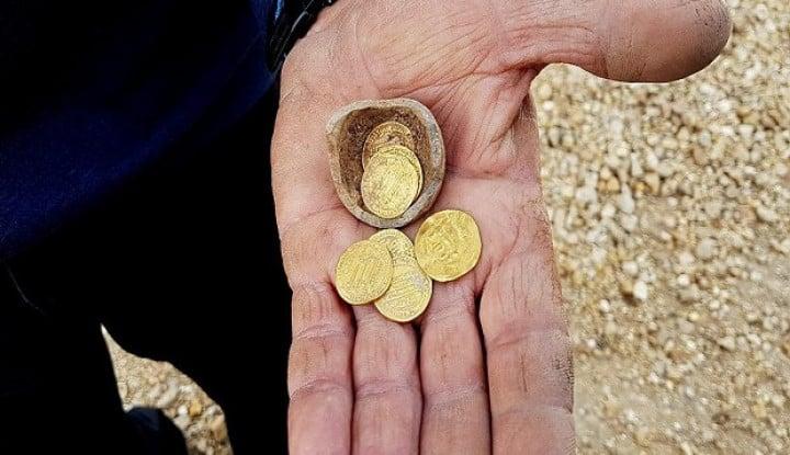 Arkeolog Israel Temukan Koin Emas Masa Islam, Rupanya Peninggalan Khalifah Ini - Warta Ekonomi
