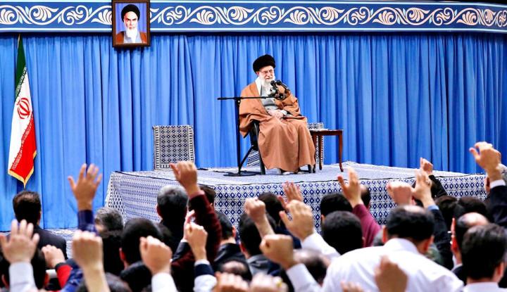 Trump Berang, Khamenei Sebut Pimpinan AS Layaknya Badut - Warta Ekonomi